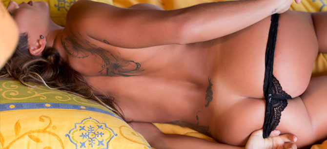 Banner para A gostosa Juliana Freitas, vice-campeã brasileira de bodyboard, posa para o Bella da Semana