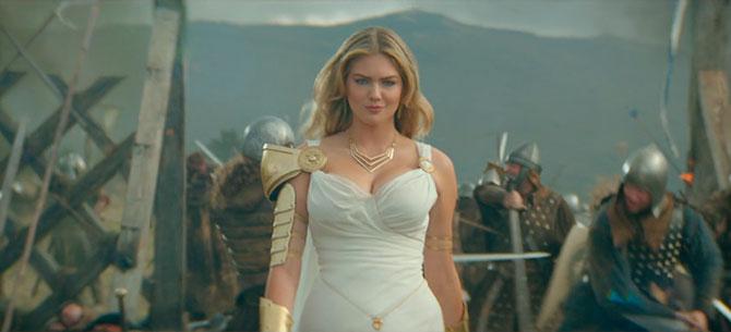 Banner para Kate Upton maravilhosa no vídeo promocional de Game of Wars