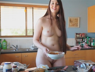 Jada-cooking-in-the-raw