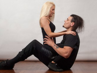 posições-orgasmo-mulher-cima