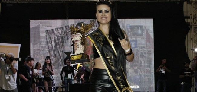 Banner para Aline Cândido é escolhida a tatuada mais bonita de São Paulo